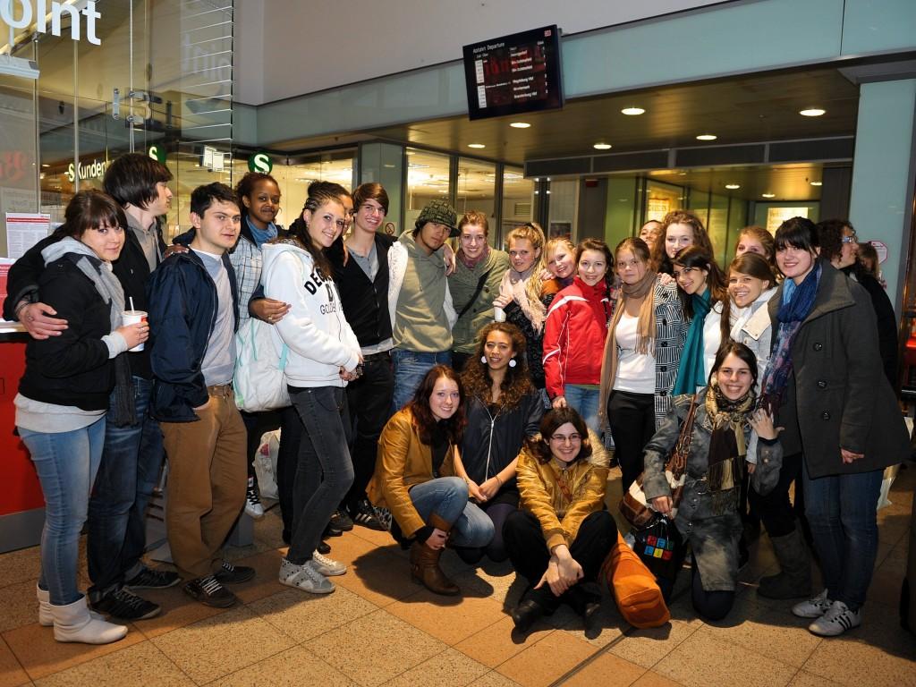 Gruppe am Bahnhof Potsdam