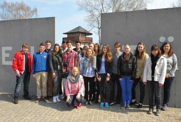 Gruppe - Filmworkshops 2013 – Filmverband Brandenburg e.V. Spurensuche im Klinkerwerk Oranienburg/ Zwangsarbeiterlager/ Konzentrationslager