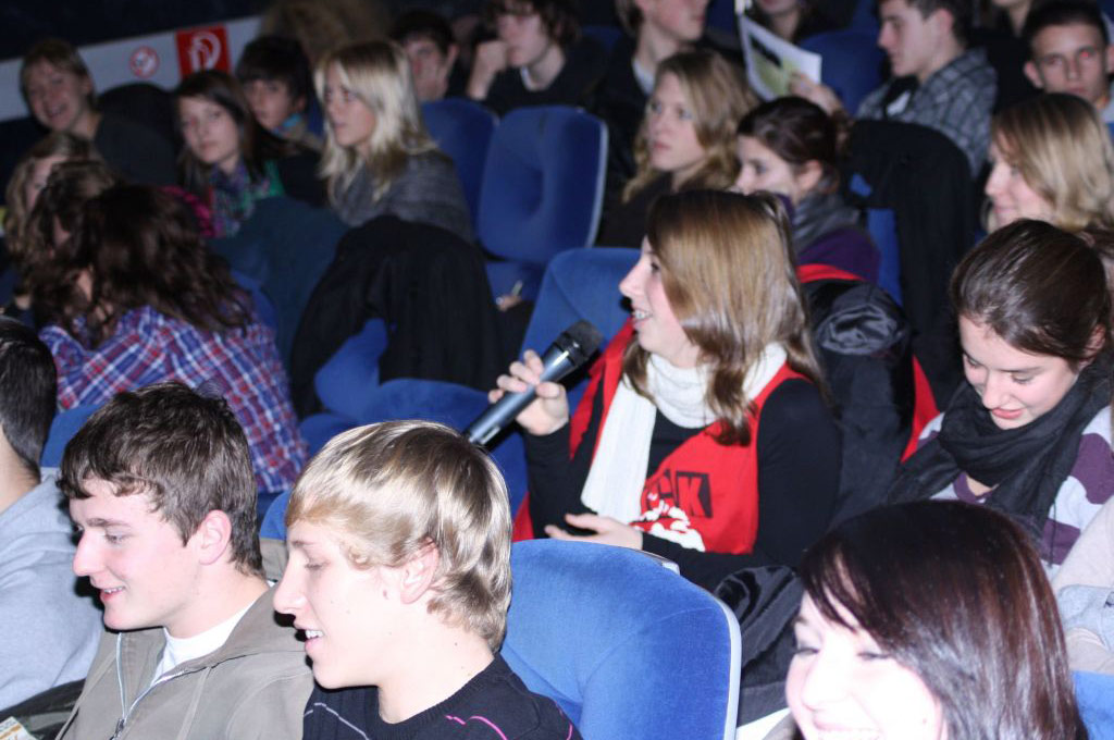 SchülerInnen diskutieren zum Film flüstern & SCHREIEN