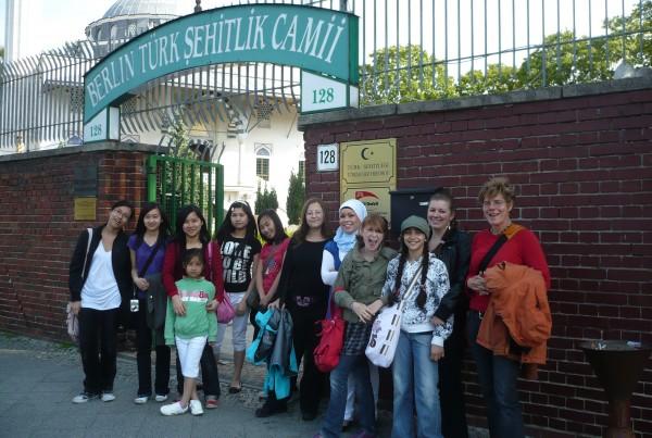 Die Patinnen besuchten die Sehitlik Moschee in Berlin-Kreuzberg