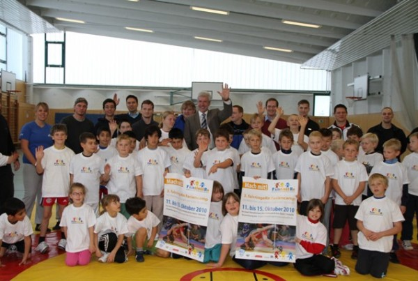 fairringern Gruppenfoto mit Bildungsminister Rupprecht