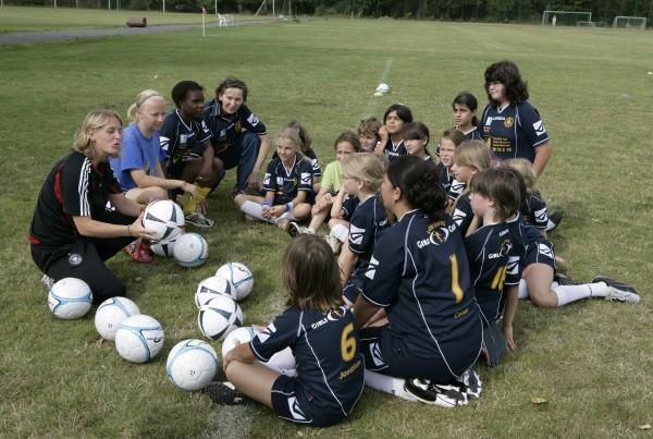 Mädchen bei der Teambesprechung