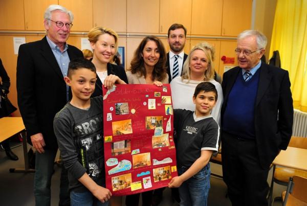 Staatsministerin Özoğuz besucht Neukölln