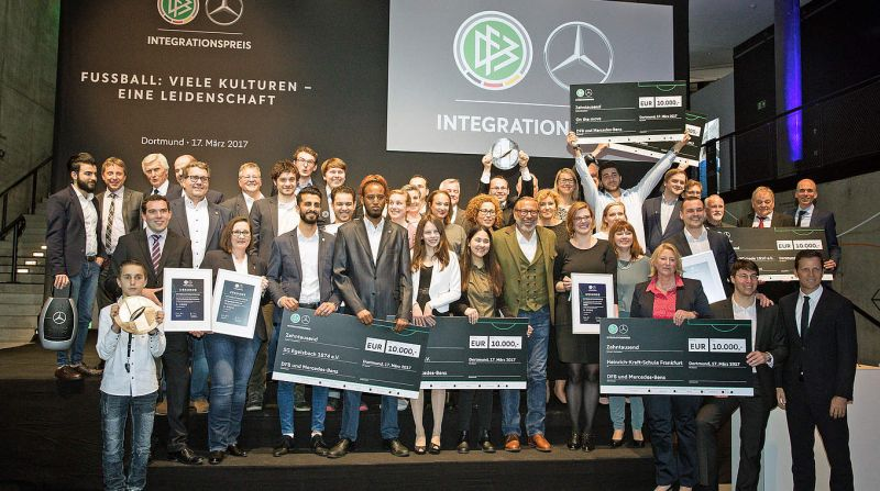 "Sportinitiative ""On the Move"" erhält 2. Preis beim DFB Mercedes-Benz-Integrationspreis"
