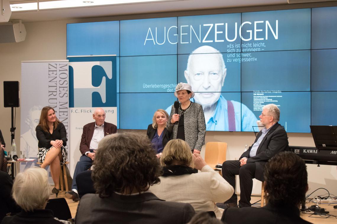Zeitzeugen sprechen auf Podiumsdiskussion im Landtag Brandenburg