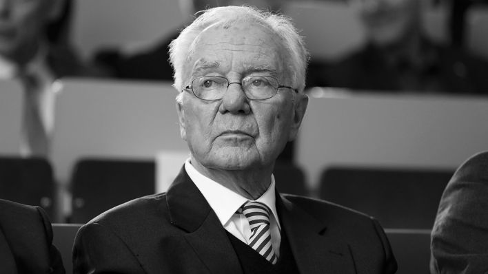 Zum Tode Manfred Stolpes †