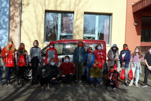 20201105_Freie Waldorfschule_FFO_Gruppenfoto_mit_neuen_PoMo-Masken